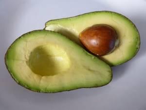 avokado polza i vred