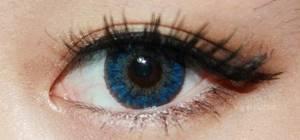 Голубые линзы перекрывают карий цвет
