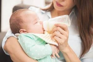 икота у новорожденного ребенка